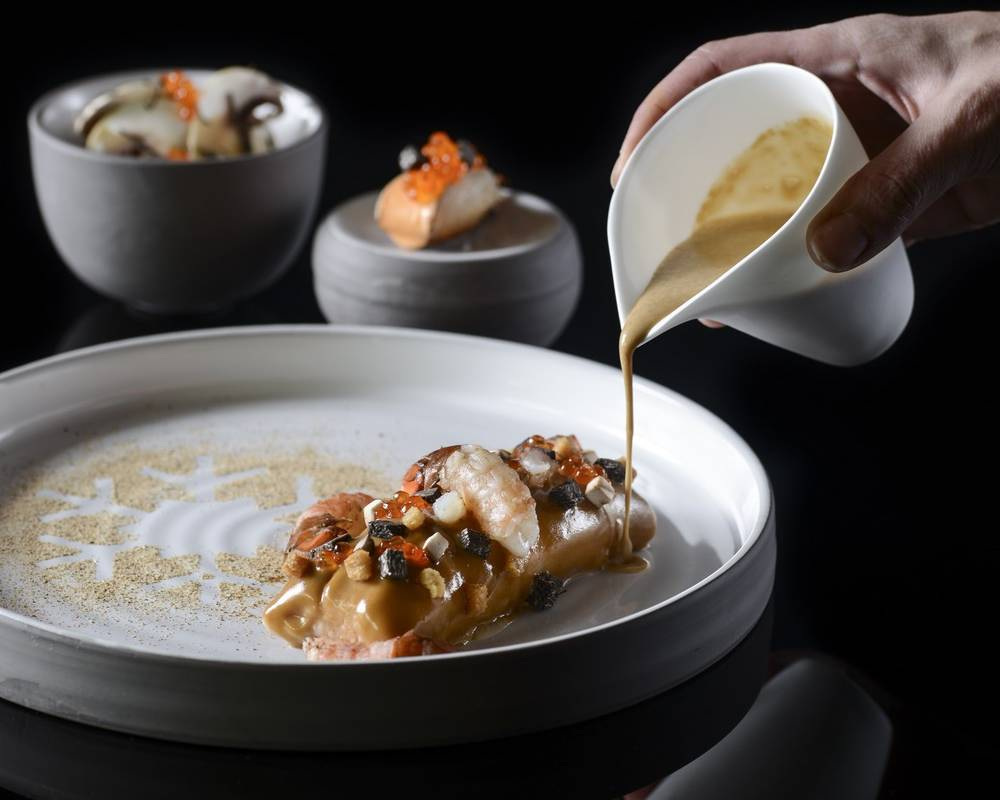 L Ekrin Restaurant Gastronomique Et Bar A Meribel Savoie Hotel